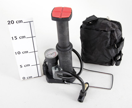 Насос для мячей и надувных матрасов ножной с манометром пластик Т38452